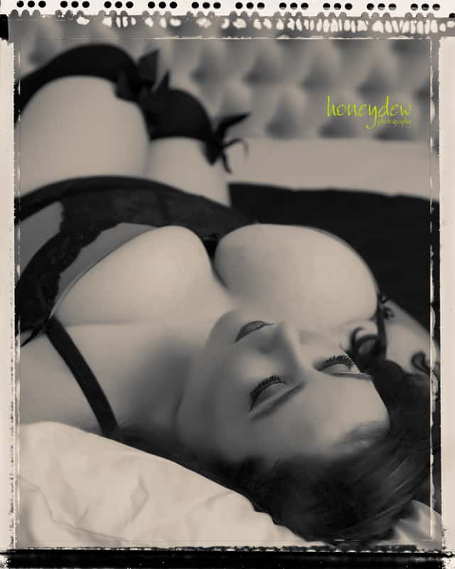 Dreamy Antique Boudoir shoot for plus size